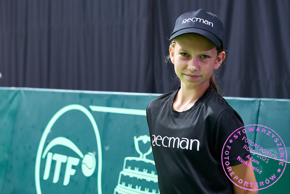 Ball kid with Recman wear during Davis Cup Tie World Group Play-off Poland v Slovakia at Gdynia Arena Hall in Gdynia, Poland.<br /> <br /> Poland, Gdynia, September 20, 2015<br /> <br /> Picture also available in RAW (NEF) or TIFF format on special request.<br /> <br /> For editorial use only. Any commercial or promotional use requires permission.<br /> <br /> Adam Nurkiewicz declares that he has no rights to the image of people at the photographs of his authorship.<br /> <br /> Mandatory credit:<br /> Photo by &copy; Adam Nurkiewicz / Mediasport
