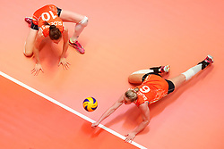 20180531 NED: Volleyball Nations League Netherlands - Brazil, Apeldoorn<br />Lonneke Sloetjes (10) of The Netherlands, Maret Balkestein - Grothues (6) of The Netherlands <br />©2018-FotoHoogendoorn.nl