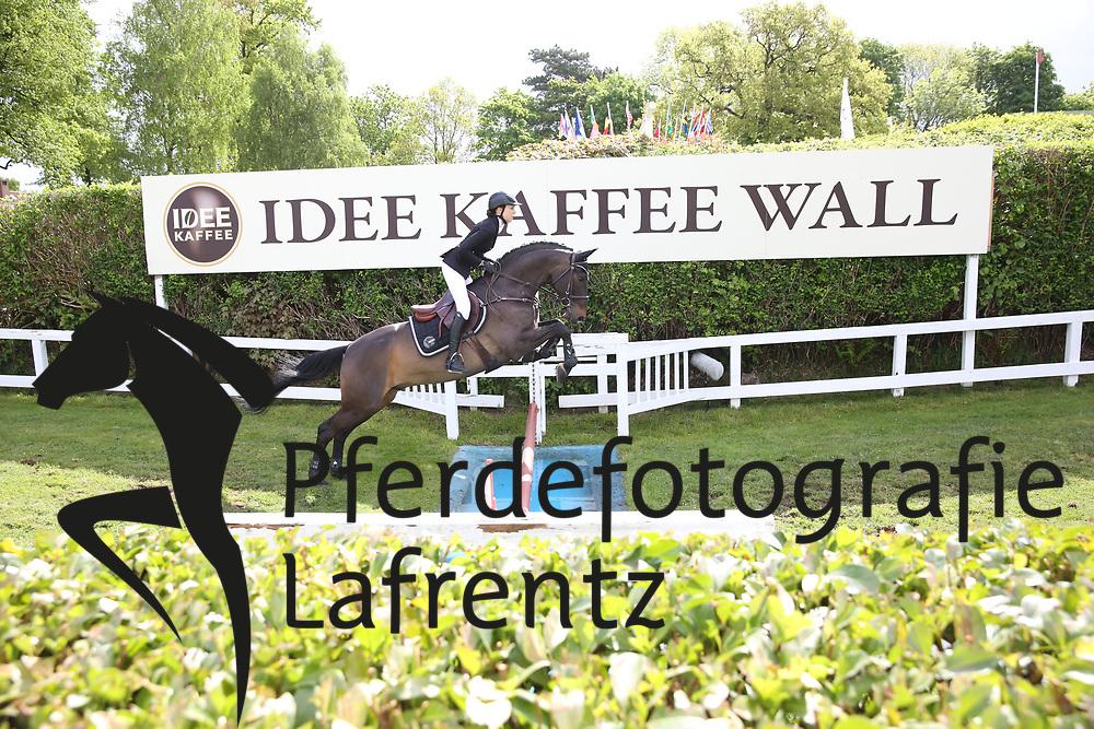 Lüdicke, Jessica, Stakkadero<br /> Hamburg - Hamburger Derby 2015<br /> SML Tour Amateur Springderby<br /> © www.sportfotos-lafrentz.de/Stefan Lafrentz