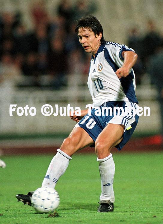 07.10.2000, Olympic Stadium, Athens, Greece. .FIFA World Cup 2002 Qualifying Match, Greece v Finland..Jari Litmanen - Finland.©JUHA TAMMINEN