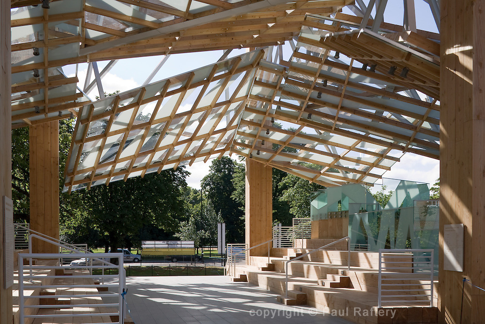 INTERIOR TOWARDS CARRIAGE DRIVE<br /> SERPENTINE GALLERY PAVILION 2008<br /> KENSINGTON GARDENS<br /> LONDON<br /> W2 Paddington<br /> UK<br /> EXTERIOR<br /> Pavilion<br /> Visitor attraction<br /> FG-SP-0064-A<br /> Paul Raftery<br /> FG<br /> GEHRY PARTNERS LLP<br /> PLEASE READ OUR LICENCE TERMS. ALL DIGITAL IMAGES MUST BE DESTROYED UNLESS OTHERWISE AGREED IN WRITING.<br /> VIEW Pictures Ltd<br /> 14 The Dove Centre<br /> 109 Bartholomew Road<br /> London<br /> NW5 2BJ<br /> T +44 (0) 20 7284 2928<br /> F +44 (0) 20 7284 3617<br /> E  info@viewpictures.co.uk<br /> www.viewpictures.co.uk<br /> http://www.serpentinegallery.org<br /> 2008<br /> ARCHITECTURE