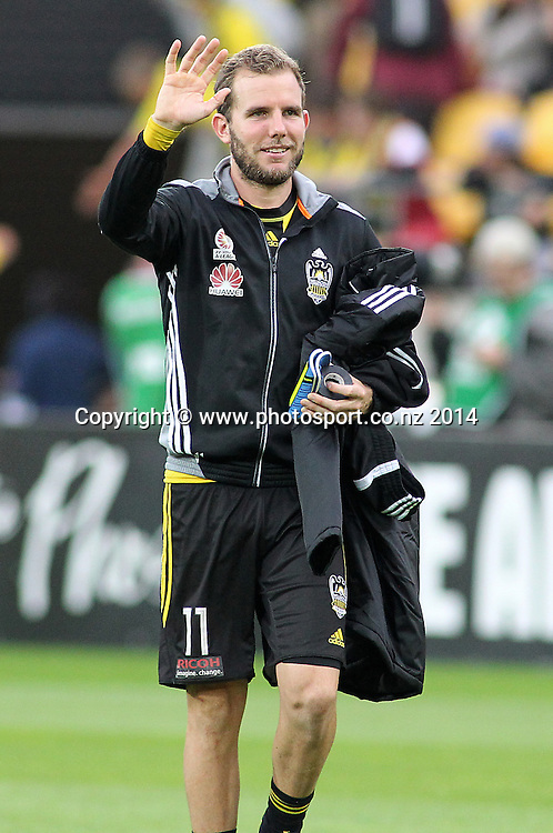Departing Phoenix striker Jeremy Brockie waves to the fans during the A-League football match between the Wellington Phoenix & Western Sydney Wanderers at Westpac Stadium, Wellington, 28 December 2014. Photo.: Grant Down / www.photosport.co.nz