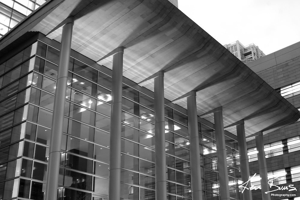 B&W Photo of Seattle Courthouse