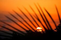 Por do Sol na beira do rio Guaíba, em Porto Alegre. FOTO: Jefferson Bernardes / Preview.com