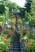Insel Mainau, Schlosspark, italienische Blumenwassertreppe, Bodensee, Baden-Württemberg, Deutschland.. | ..Isle of Mainau, palace garden, Lake Constance, Germany