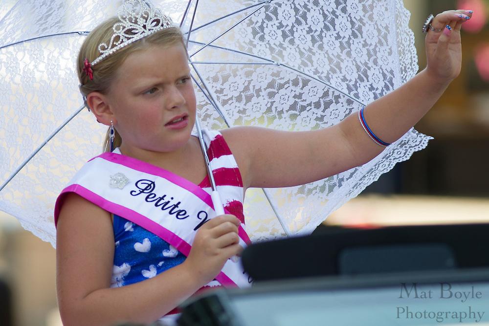 2012 Petite Miss New Jersey Jenica Zones: Pitman 4th of July Parade down Broadway in Pitman NJ on Wednesday July 4, 2012. (photo / Mat Boyle)