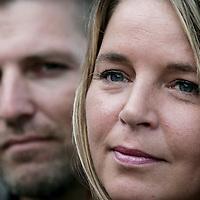 Nederland,Amsterdam ,28 september 2006..Thriller schrijvers en schrijversduo Esther en Berry Verhoef met hun thrillerboek Escober Chaos.
