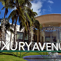 Upscale Shopping at Luxury Avenue in Cancun, Mexico <br /> Here is all you need to know: this boutique mall includes Cartier, Fendi, Coach, Burberry, Swarovski, Louis Vuitton, Salvatore Ferragamo, Paul &amp; Shark and 18 more upscale retailers. If shopping at Luxury Avenue Cancun does not max out your credit card, then visit the adjacent Kukulcan Plaza.