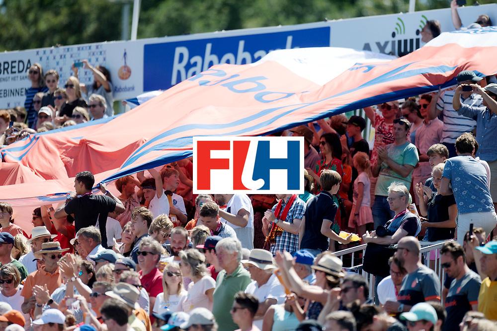 BREDA - Rabobank Hockey Champions Trophy<br /> 3rd/4th place The Netherlands - Argentina<br /> Photo: Giant dutch shirt.<br /> COPYRIGHT WORLDSPORTPICS FRANK UIJLENBROEK