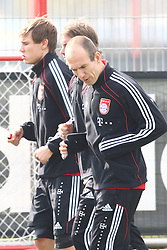 06.03.2011, Trainingsgelaende, Muenchen, GER, 1.FBL, Training FC Bayern Muenchen , im Bild Holger Badstuber (Bayern #28) Arjen Robben (Bayern #10)  , EXPA Pictures © 2011, PhotoCredit: EXPA/ nph/  Straubmeier       ****** out of GER / SWE / CRO  / BEL ******