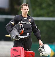 EINDHOVEN - hockey - OZ keeper Rolf Diederen tijdens de hoofdklasse hockeywedstrijd tussen de mannen van Oranje-Zwart en Bloemendaal (3-3). COPYRIGHT KOEN SUYK