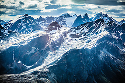 """Monte Olivia visto a partir do helicoptero. O Monte Olivia possui 1.326 metros acima do nível do mar e está nos arredores de Ushuaia, na Tierra del Fuego, Argentina. É a altura máxima da cadeia montanhosa que rodeia a denominada """"cidade do fim do mundo"""". FOTO: Jefferson Bernardes/ Agência Preview"""