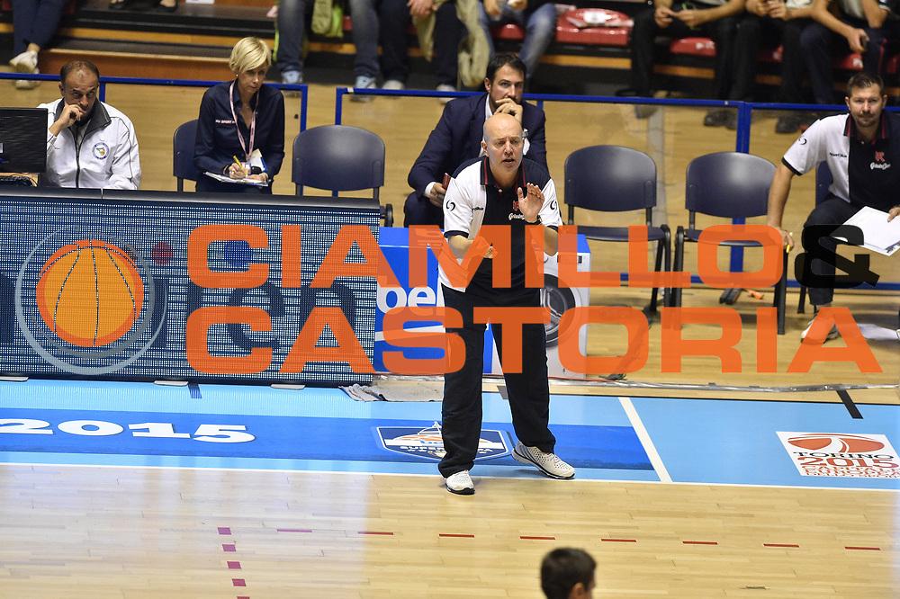 Descrizione: Beko Supercoppa 2015 Finale Grissin Bon Reggio Emilia - Olimpia EA7 Emporio Armani Milano<br /> GIOCATORE: Massimiliano Menetti<br /> CATEGORIA: Allenatore Coach Mani<br /> SQUADRA: Grissin Bon Reggio Emilia<br /> EVENTO: Beko Supercoppa 2015<br /> GARA: Grissin Bon Reggio Emilia - Olimpia EA7 Emporio Armani Milano<br /> DATA: 27/09/2015<br /> SPORT: Pallacanestro<br /> AUTORE: Agenzia Ciamillo-Castoria/GiulioCiamillo