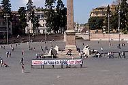 Roma 1 Aprile 2015<br /> Il 2 aprile 2015 si attende la sentenza per la mobilitazione del #14D2010, il PM richiede condanne fino a 3 anni e 8 mesi di reclusione e il comune di Roma, costituitosi parte civile, chiede quasi 600 mila euro di danni ai 43 imputati. <br /> Quel 14 dicembre c'eravamo tutti - La piazza è del Popolo - Tutt* Liber*.
