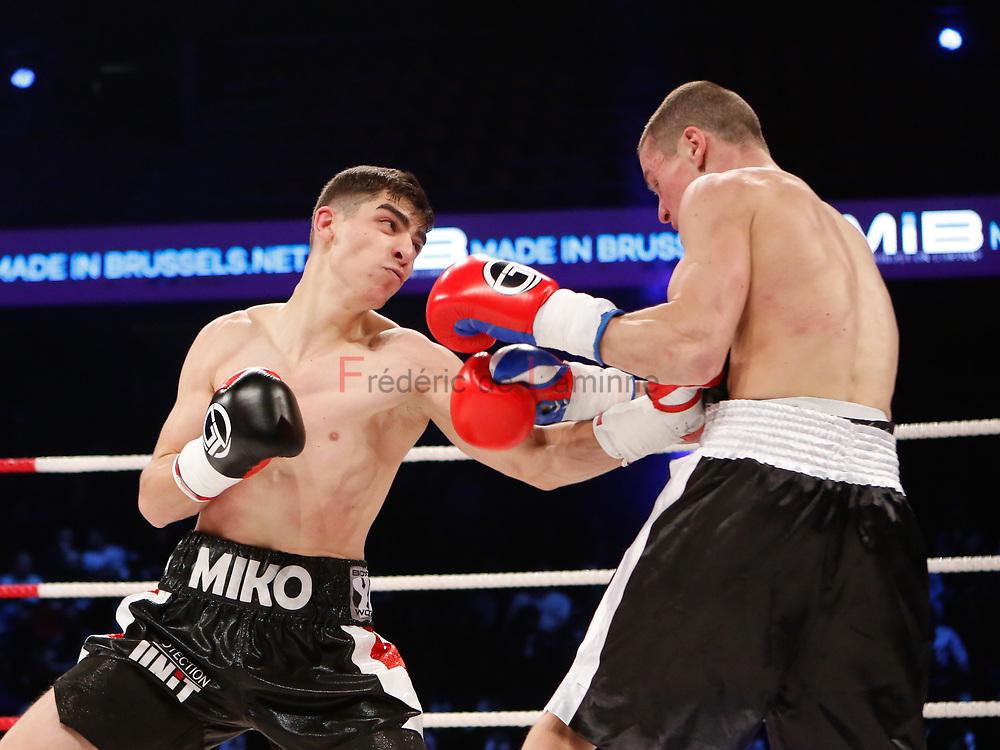 Combat Miko Khatchatryan (gants noirs) – Pavlo Maistrenko lors du Gala de boxe Round 5 qui s'est déroulé à Charleroi (Spiroudome) le 16/12/2017.