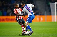 04-02-2016 VOETBAL:PSV-UTRECHT:BEKER:EINDHOVEN<br /> Chris Kum van FC Utrecht in duel met Luciano Narsingh van PSV <br /> <br /> Foto: Geert van Erven