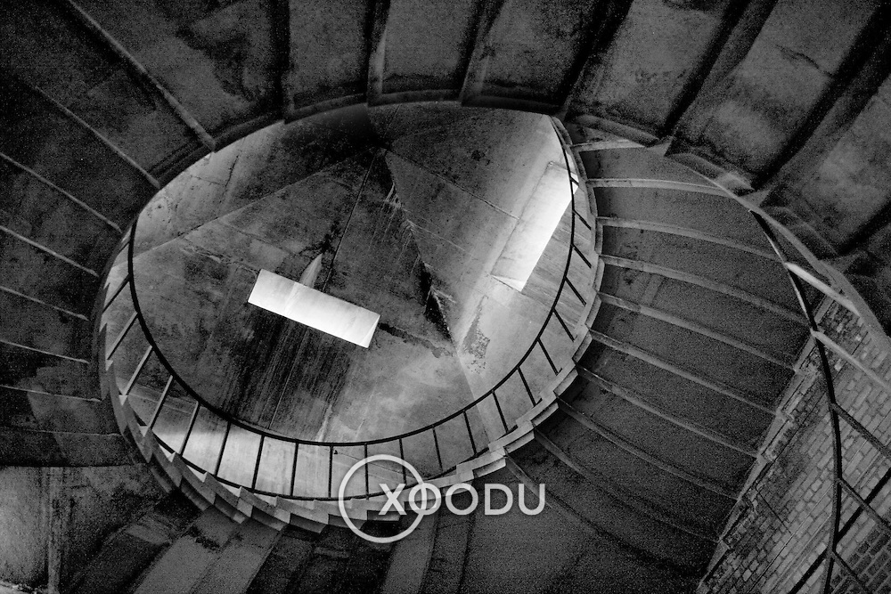 Spiral staircase, Liverpool, England (00 00)