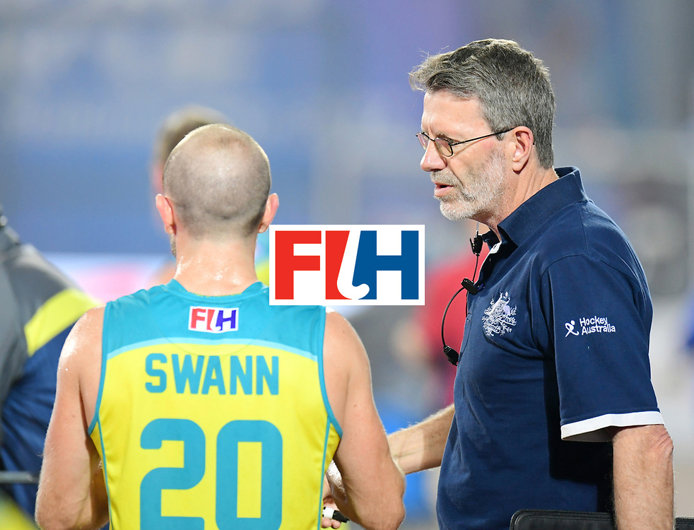 Odisha Men's Hockey World League Final Bhubaneswar 2017<br /> Match id:09<br /> Australia v England<br /> Foto: coach Colin Batch (Aus) talks with Matthew Swann (Aus) <br /> WORLDSPORTPICS COPYRIGHT FRANK UIJLENBROEK