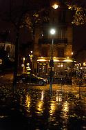restaurant julien Paris , le marais , under the rain at night  /// paris sous la pluie, le marais  la nuit