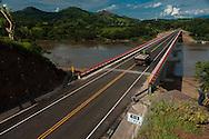 El Presidente de la República, Mauricio Funes, inaugurará  el tercer puente más largo del país en el municipio de Nuevo Edén de San Juan, que unirá con 330 metros de longitud sobre el río Lempa los departamentos de Cabañas y San Miguel.La infraestructura ha sido construida con una inversión  de 17 millones de dólares provenientes del programa Fomilenio, y como parte de la carretera Longitudinal del Norte. Photo: Luis Tobar/Fomilenio/CAPRES/Imagenes Libres.