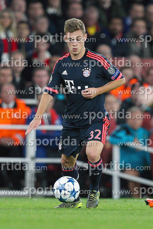 20.10.2015, Emirates Stadium, London, ENG, UEFA CL, FC Arsenal vs FC Bayern Muenchen, Gruppe F, im Bild Joshua Kimmich #32 (FC Bayern Muenchen) // during UEFA Champions League group F match between Arsenal FC and FC Bayern Munich at the Emirates Stadium in London, Great Britain on 2015/10/20. EXPA Pictures &copy; 2015, PhotoCredit: EXPA/ Eibner-Pressefoto/ Kolbert<br /> <br /> *****ATTENTION - OUT of GER*****