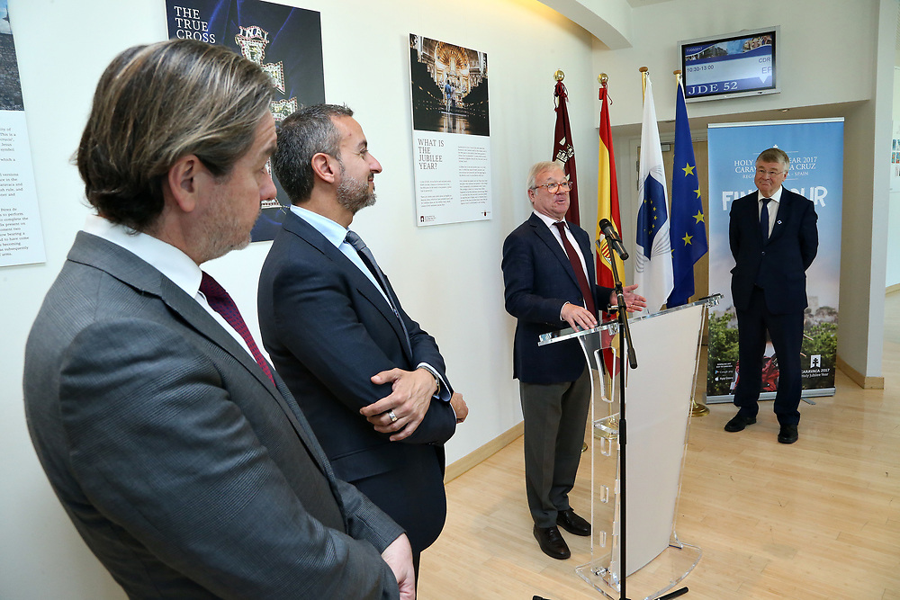 11 May 2017, EA Group meeting<br /> Belgium - Brussels - May 2017.  Exhibition opening&rdquo;Los Caminos de la Cruz&rdquo;<br /> <br /> &copy; European Union / Patrick Mascart