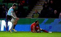 Dean Hammond of Worcester Warriors completes his hat-trick by scoring a third try - Mandatory by-line: Robbie Stephenson/JMP - 12/11/2017 - RUGBY - Twickenham Stoop - London, England - Harlequins v Worcester Warriors - Anglo-Welsh Cup