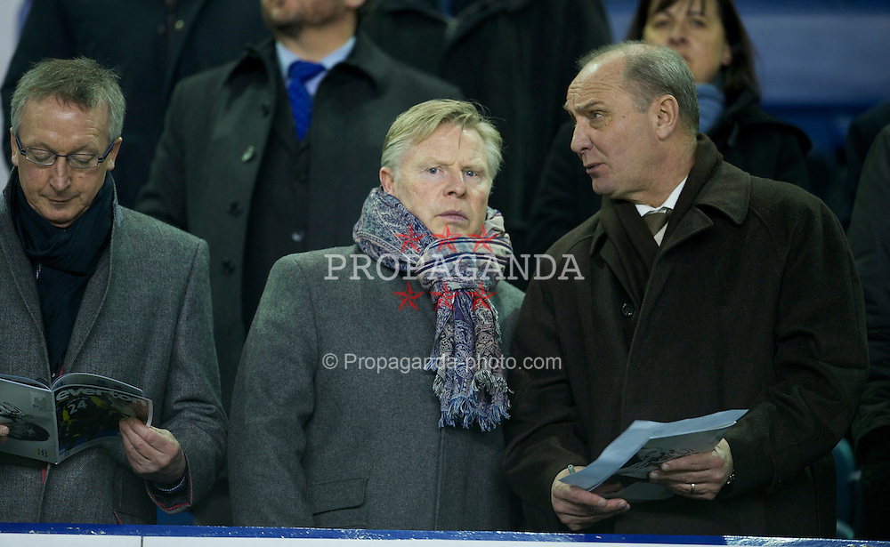 LIVERPOOL, ENGLAND - Tuesday, March 1, 2011: Liverpool's Sammy Lee during the FA Cup 5th Round match at Goodison Park. (Photo by David Rawcliffe/Propaganda)