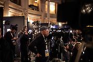 ROMA. GIORNALISTI ATTENDONO I RISULTATI DELLE ELEZIONI POLITICHE ITALIANE NELLA SALA STAMPA DEL PARTITO DEMOCRATICO;