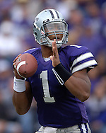 Kansas State quarterback Josh Freeman looks down field against Louisville in the fourth quarter at Bill Snyder Family Stadium in Manhattan, Kansas, September 23, 2006.  The 8th ranked Louisville Cardinals beat K-State 24-6.