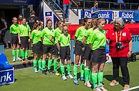 AMSTELVEEN -  balkenkinderen, met Ineke     voor   de Pro League hockeywedstrijd dames, Nederland-Australie (3-1) COPYRIGHT  KOEN SUYK