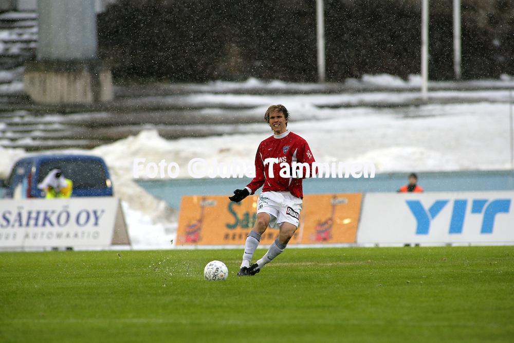 19.04.2006, Urheilukeskus, Lahti, Finland..Veikkausliiga 2006 - Finnish League 2006.FC Lahti - FC Inter Turku.Ari Nyman - Inter.©Juha Tamminen....ARK:k