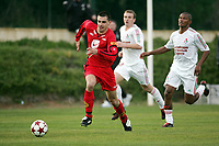 Fotball, 03. februar 2005, La Manga, Brann - Lokomotiv Moskva 1-1,  Paul Scharner, Brann og Limov (t.h), Lokomotiv