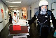 Nederland, Nijmegen, 14-09-2000Ontruimings oefening brandalarm academisch ziekenhuis Nijmegen. Brandveiligheid. preventieFoto: Flip Franssen