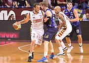 DESCRIZIONE : Venezia campionato serie A 2013/14 Reyer Venezia EA7 Olimpia Milano <br /> GIOCATORE : Guido Rosselli<br /> CATEGORIA : palleggio controcampo<br /> SQUADRA : Reyer Venezia<br /> EVENTO : Campionato serie A 2013/14<br /> GARA : Reyer Venezia EA7 Olimpia<br /> DATA : 28/11/2013<br /> SPORT : Pallacanestro <br /> AUTORE : Agenzia Ciamillo-Castoria/A.Scaroni<br /> Galleria : Lega Basket A 2013-2014  <br /> Fotonotizia : Venezia campionato serie A 2013/14 Reyer Venezia EA7 Olimpia  <br /> Predefinita :