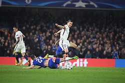 09.03.2016, Stamford Bridge, London, ENG, UEFA CL, FC Chelsea vs Paris Saint Germain, Achtelfinale, Rueckspiel, im Bild cahill gary, ibrahimovic zlatan // during the UEFA Champions League Round of 16, 2nd Leg match between FC Chelsea vs Paris Saint Germain at the Stamford Bridge in London, Great Britain on 2016/03/09. EXPA Pictures © 2016, PhotoCredit: EXPA/ Pressesports/ LAHALLE PIERRE<br /> <br /> *****ATTENTION - for AUT, SLO, CRO, SRB, BIH, MAZ, POL only*****