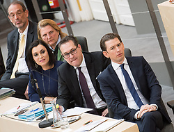 21.03.2018, Hofburg, Wien, AUT, Parlament, Sitzung des Nationalrates mit Budgetrede des Finanzministers für das Doppelbudget 2018 und 2019, im Bild v.l.n.r. Bildungsminister Heinz Faßmann (ÖVP), Außenministerin Karin Kneissl (FPÖ), Bundesministerin für Land- und Forstwirtschaft, Umwelt und Wasserwirtschaft Elisabeth Köstinger (ÖVP), Vizekanzler Heinz-Christian Strache (FPÖ) und Bundeskanzler Sebastian Kurz (ÖVP) // f.l.t.r. Austrian Federal Minister for Education Heinz Fassmann, Austrian Minister for Europe, Integration and Foreign Affairs Karin Kneissl, Austrian Minister for Agriculture, Forestry, Environment and Water Management Elisabeth Koestinger, Austrian Vice Chancellor Heinz-Christian Strache and Austrian Federal Chancellor Sebastian Kurz during meeting of the National Council of austria with the presentation of the Austrian government budget for 2018 and 2019 at Hofburg palace in Vienna, Austria on 2018/03/21, EXPA Pictures © 2018, PhotoCredit: EXPA/ Michael Gruber