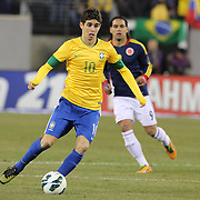 Oscar, Brazil, in action during the Brazil V Columbia International friendly football match at MetLife Stadium, New Jersey. USA. 14th November 2012. Photo Tim Clayton