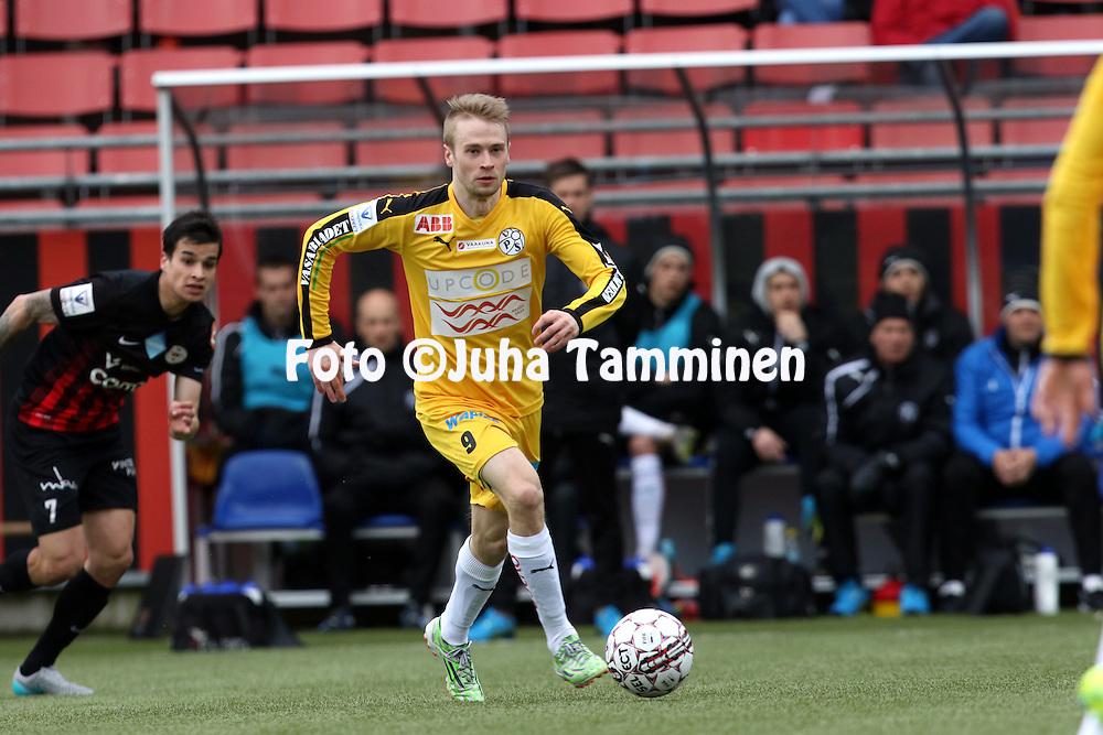 17.4.2016, Myyrm&auml;en jalkapallostadion, Vantaa.<br /> Veikkausliiga 2016.<br /> Pallokerho-35 Vantaa - Vaasan Palloseura.<br /> Juho L&auml;hde - VPS