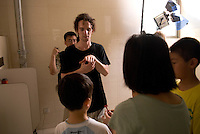 Aymerick Pilarski is a young French cinematographer studying at the Beijing film school. Here he works on Taiwanese director Qiu Meigun end of the year short feature.