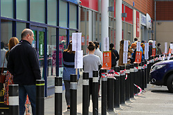 © Licensed to London News Pictures. 27/04/2020. London, UK. Shoppers follow social distancing rules as they queue  to enter Homebase in Haringey, north London which opened today. The lockdown continues to slow the spread of COVID-19 and reduce pressure on the NHS. Photo credit: Dinendra Haria/LNP