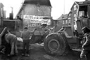 Nederland, Nijmegen, 23-2-1981 <br /> Nijmegen ten tijde van de zgn. Piersonstraat, Zeigelhof ontruiming. Na de ontruiming wordt meteen met de sloop van de kraakpanden aan de Piersonstraat begonnen. <br /> Foto: Flip Franssen/Hollandse Hoogte