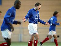 Fotball, 5. februar 2003, Vålerenga - Moss 4-3. Kjetil Rekdal, Pa-Modou Kah, (uskarp), Vålerenga