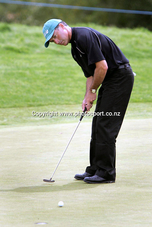 Peter Smith (NZL) in action during the NZPGA Championship, at Clearwater Golf Club, Christchurch, New Zealand, from the 24th to 27th of February, 2005. Photo: Photosport<br /><br /><br /><br />118180