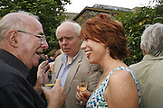 CLIVE JAMES, CHRISTOPHER HITCHENS AND KATHY LETTE,, The Spectator At Home. Doughty St. 6 July 2006. ONE TIME USE ONLY - DO NOT ARCHIVE  © Copyright Photograph by Dafydd Jones 66 Stockwell Park Rd. London SW9 0DA Tel 020 7733 0108 www.dafjones.com