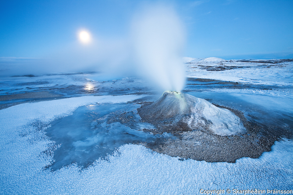 Hveravellir under a blue moon, central highlands Iceland