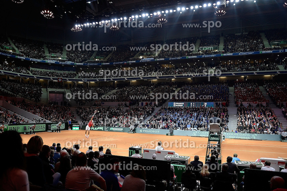 21.11.2014, Stade Pierre Mauroy, Lille, FRA, Davis Cup Finale, Frankreich vs Schweiz, im Bild Roger Federer (SUI) im Stade Pierre Mauroy // during the Davis Cup Final between France and Switzerland at the Stade Pierre Mauroy in Lille, France on 2014/11/21. EXPA Pictures &copy; 2014, PhotoCredit: EXPA/ Freshfocus/ Daniela Frutiger<br /> <br /> *****ATTENTION - for AUT, SLO, CRO, SRB, BIH, MAZ only*****