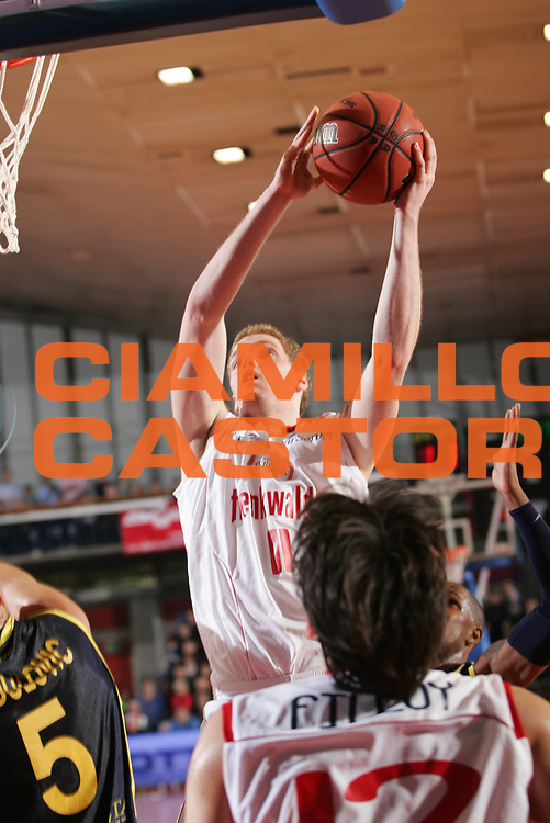 DESCRIZIONE : Reggio Emilia Campionato Lega Basket A2 2011-12  Trenkwalder Reggio Emilia  Givova Scafati<br /> GIOCATORE : Pini Giovanni<br /> SQUADRA : Trenkwalder Reggio Emilia<br /> EVENTO : Campionato Lega Basket A2 2011-2012<br /> GARA : Trenkwalder Reggio Emilia   Givova Scafati<br /> DATA : 13/11/2011<br /> CATEGORIA : schiacciata<br /> SPORT : Pallacanestro <br /> AUTORE : Agenzia Ciamillo-Castoria/FotoStudio13<br /> Galleria : Lega Basket A2 2011-2012 <br /> Fotonotizia : Reggio Emilia Campionato Lega Basket A2 2011-12  Trenkwalder Reggio Emilia   Givova Scafati<br /> Predefinita :