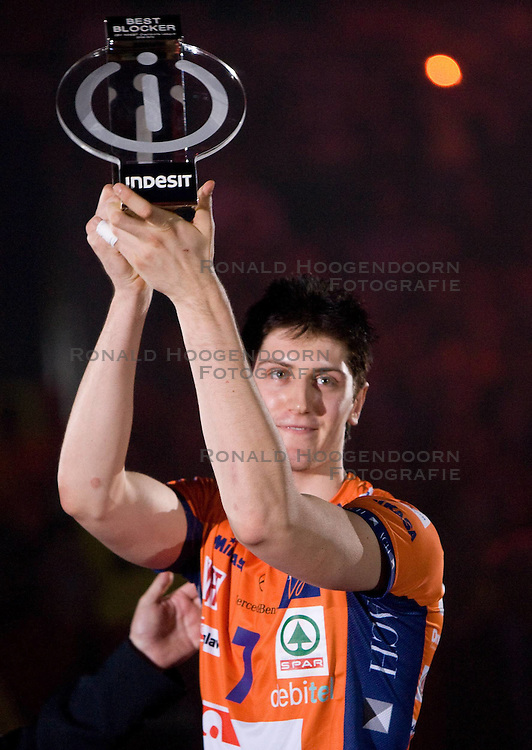 02-05-2010 VOLLEYBAL: FINAL 4 CHAMPIONS LEAGUE: LODZ<br /> Matevz Kamnik of ACH at final ceremony after the  final match<br /> ©2010- FRH nph / Vid Ponikvar