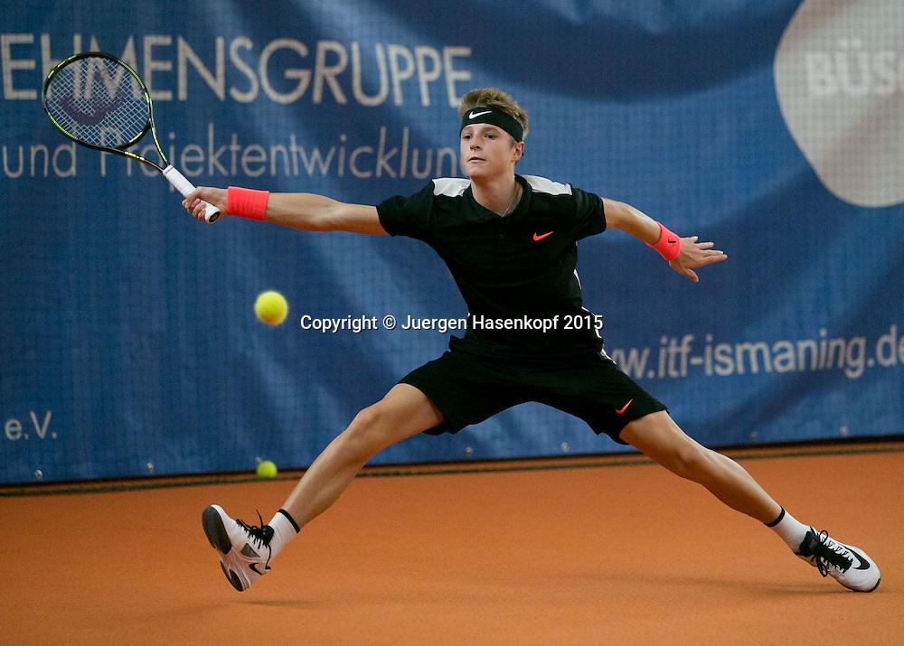 Rudolf Molleker  (GER)<br /> <br /> Tennis - Ismaning Open 2015 - ITF 10.000 -  TC Ismaning - Ismaning - Bavaria - Germany - 28 October 2015. <br /> &copy; Juergen Hasenkopf